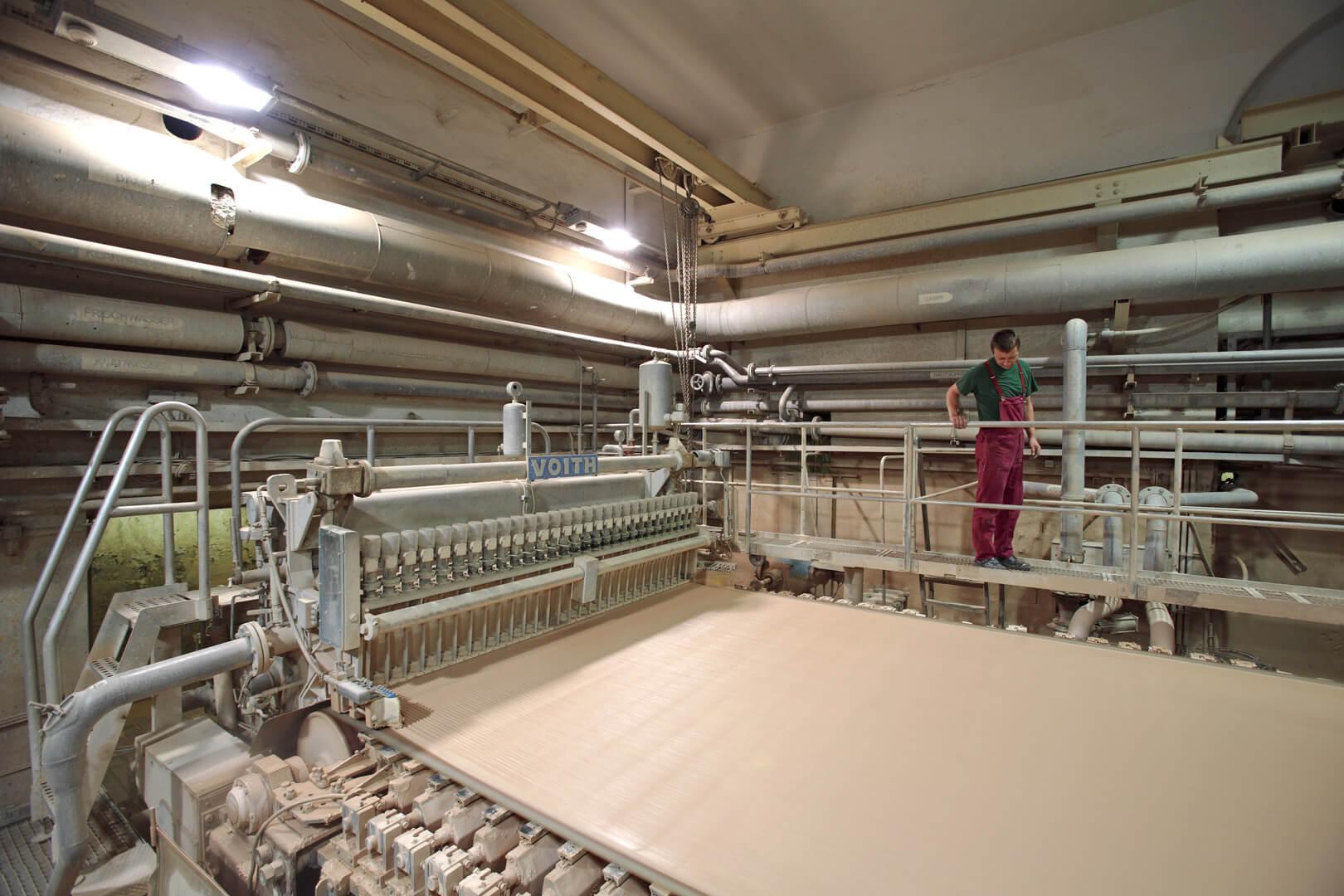 Herstellung Regenerat Papier - Papiermaschine Siebbereich