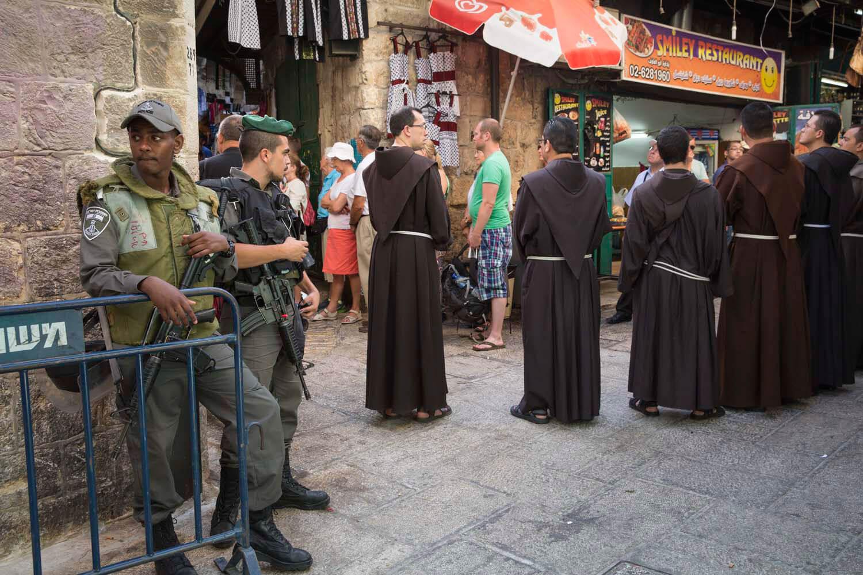 Pilger an der Via Dolorosa, Jerusalem