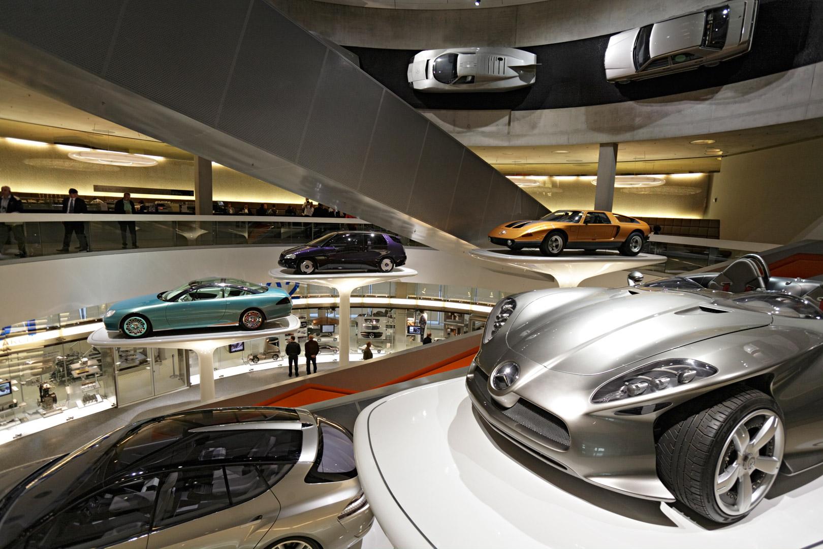 Mercedes Benz Museum, Stuttgart, Merian Magazin